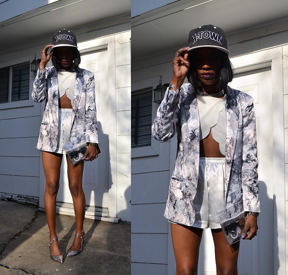 VintageVirgin Jessica - Frontrowshop Front Row Shop Floral Satin Jacket, Romwe Scallop Petal Crop Top, Vintage Satin Boxer Shorts, H Town Snapback, Shoemint Snakeskin Ballet Sandals, Twice Lux Clear Clutch, H&M Silver Metal Choker - SATIN ON SATIN