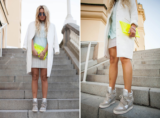 Fanny Lyckman - Get Credits On My Blog - Neon