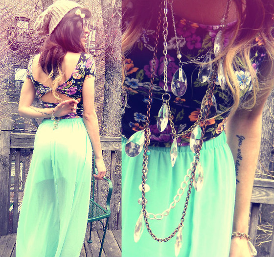 Daniela Escobar - Forever 21 Teal Maxi Skirt, Forever 21 Floral Crop Top, Eclectique Necklace - I wont kill anything i leave behind.. let me grow.