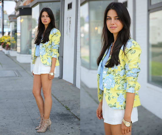 Annabelle Fleur - Rag & Bone Blazer, Cameo The Label Shorts, Schutz Heels - Short Shorts