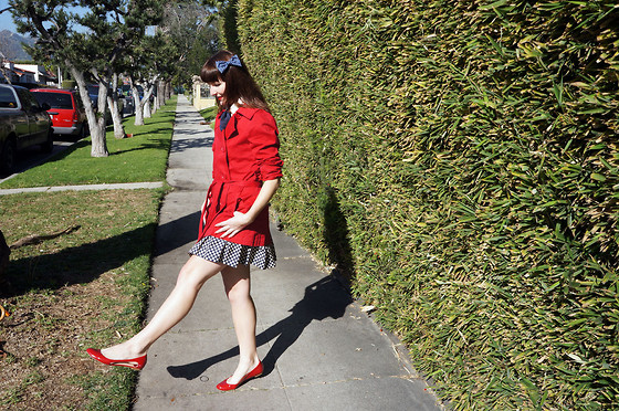 Jamie Shields - Barneys New York Co Op Shoes, American Apparel Bow, Sea Skirt - Back to School