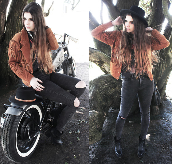 CLAUDIA Holynights - Asos Acid Wash Jeans, Miista May Boots, Kiss T Shirt, Vintage Fringe Suede Jacket, Vintage Hat - Riders on the storm