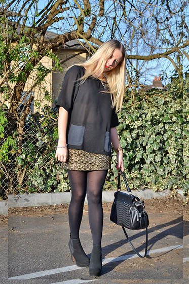 Joanne Christina Lewis - Topshop Skirt, Warehouse Top, Asos Chelsea Boots, Guess? Leather Bag - GOLD SKIRT