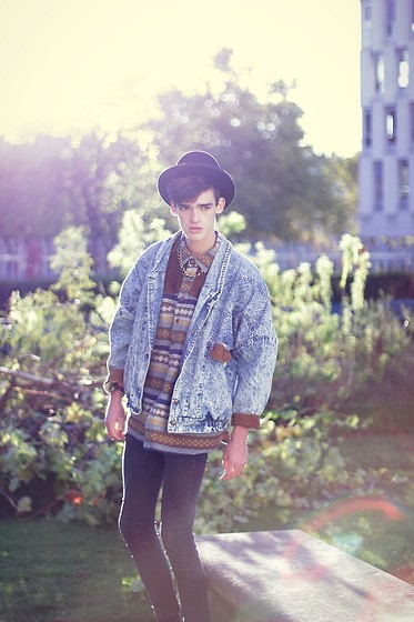 Florentin Glémarec - Cheap Monday Black Pants, Asos Shirt, Vintage Denim Jacket - When i'm small