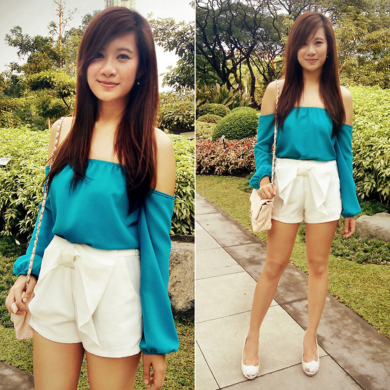 Jannelle O. - Apartment 8 Cold Shoulder Top, Kamiseta Bow Front Shorts - Flow & Bow