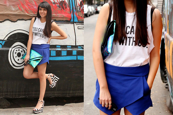 Jennifer Aranda - Brandy Melville Usa Graphic Tee, Zara Asimetric Skirt, Zara Striped, H&M Hologramic Clutch - You can't sit with us