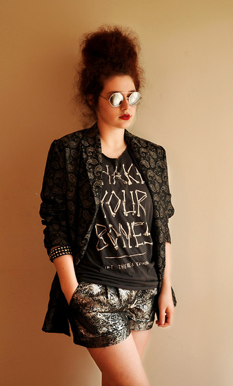 Görkem Erarslan - Asos Round Sunglasses, Vintage Printed Jacket, Asos Metalic Short - Oh well, the devil makes us sin.