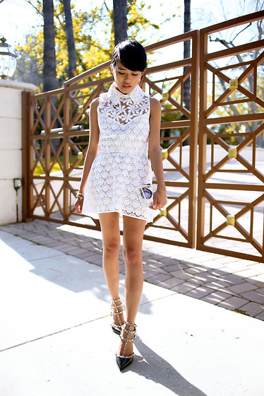 Olivia Lopez - Shakuhachi Dress, Alice And Olivia Box Clutch, Valentino Studded Pumps, Miu Noir Sunglasses - Lucite & Lace