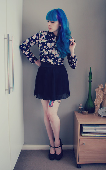 Alphie LaFray - Cotton On Blue Floral Shirt, Thrifted Chiffon Skirt, Lipstick Mary Jane Heels - Felt a lil blue