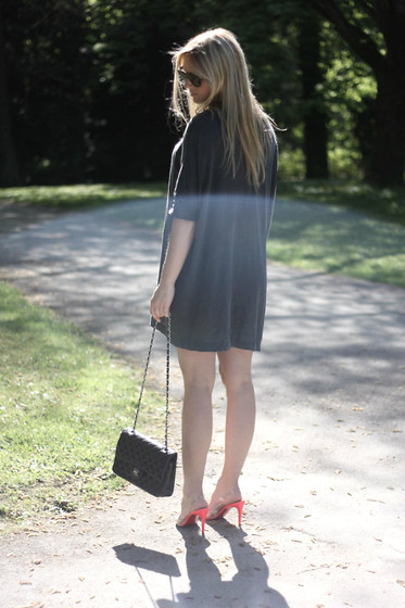 EMILIE HIGLE - Zara Tee, Chanel Bag, Christian Louboutin Heels - A TOUCH OF NEON