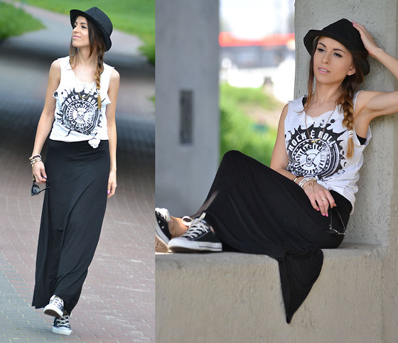 Sh T Shirt, Sh Dress, Converse Shoes