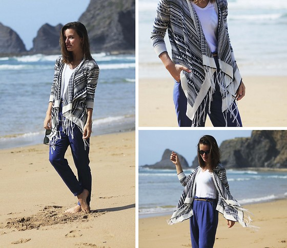Mariana Soares Branco - Fashion Pills Aztec Cardigan, Suiteblanco Pants, Ray Ban Sunglasses - Back on the sand