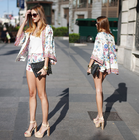 Andrea Gomez - Zara Jacket, Zara Shorts - FLOWERED SUIT