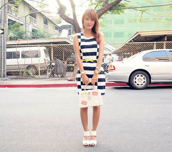 Pax I. - Desino Dulce Stripes Dress, Ever New Purse, Romwe Shoes - Lateral