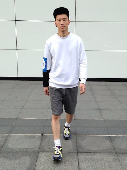 YU WEILO - Vintage Grey Jean Shorts, Nike Color Trainers, Teenage Odyssey White Sweater - LITTLE WHITE SOCKS