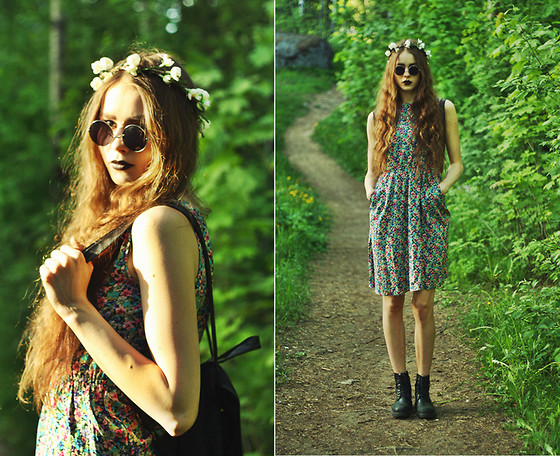 Elina I - Bikbok Flower Crown, Lindex Sunglasses, Seppälä Backpack, Indiska Floral Dress, Vagabond Combat Boots - Fairies wear boots