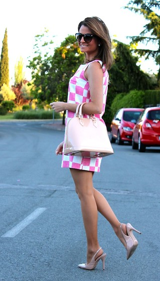 Silvia Garcia Blanco - Mango Sunglasses, Mercadillo Dress, Louis Vuitton Bag, Mango Shoes - Love pink / Me encanta el rosa