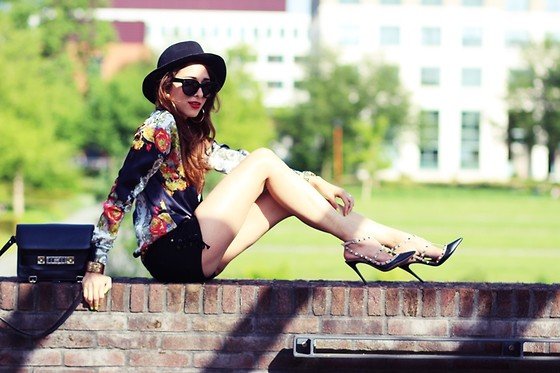 Virgit Canaz - Flower Blouse, Rockstud Heels - Sunset