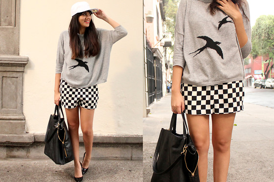 Jennifer Aranda - Zara Jumper, Zara Chess Print Shorts, Zara Maxi Bag, New Era Baseball Cap - Y'all!
