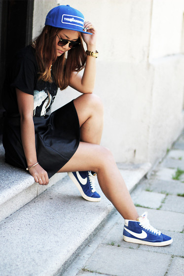 May B. - Nike Sneakers, River Island Skater Skirt, The Hundreds Cap, H&M T Shirt - Black gold and blue