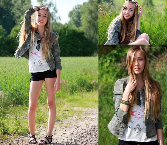 Nadine W. - Vila Clothes Army Jacket, New Yorker Top - My Head is a Jungle