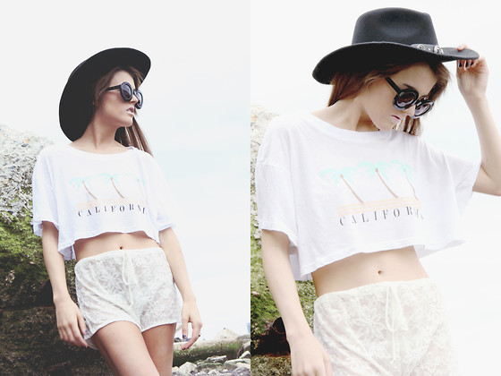 Rachel Lynch - Wildfox Couture Circle Sunnies, Wildfox Couture California Crop Top, Gina Marie Vintage Little Lace Shorts - Seaside vagabond