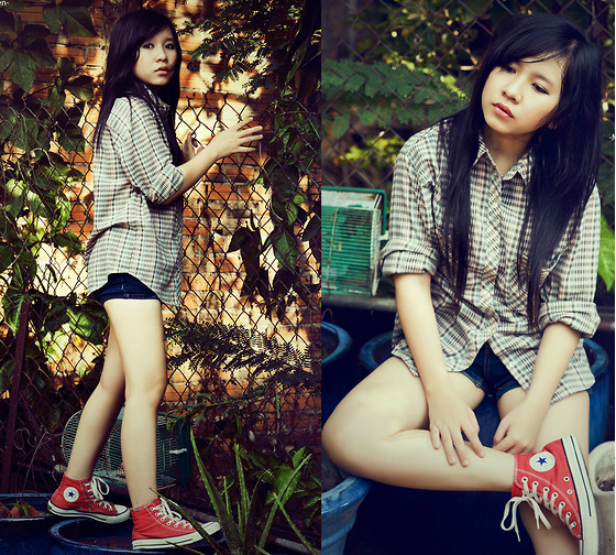 Min Nguyen - Converse Chucks, Shirt, Forever 21 Short - First