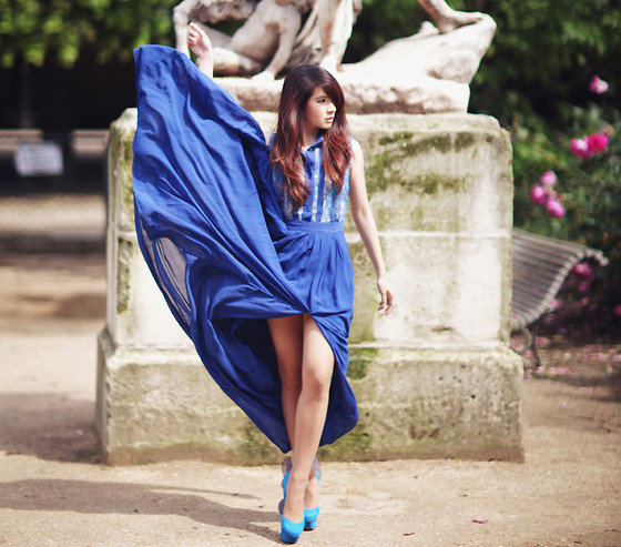 Anastasia Siantar - Oversized Hem Vent Blue Dress, Nicholas Kirkwood Mermaid Shoes - Electric blue