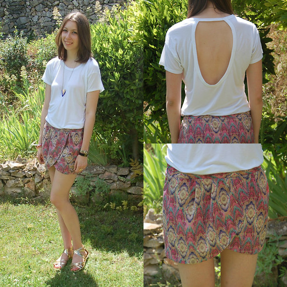 The Camelia - Zara Cut Out Top, Pull & Bear Aztec Skirt, H&M Gold Sandals - Summer is here !