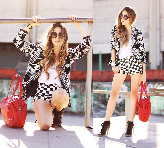 Flávia Desgranges van der Linden - Le Charme Blazer, Romwe Shorts, You K! Bag, Zerouv Sunglasses - You K!