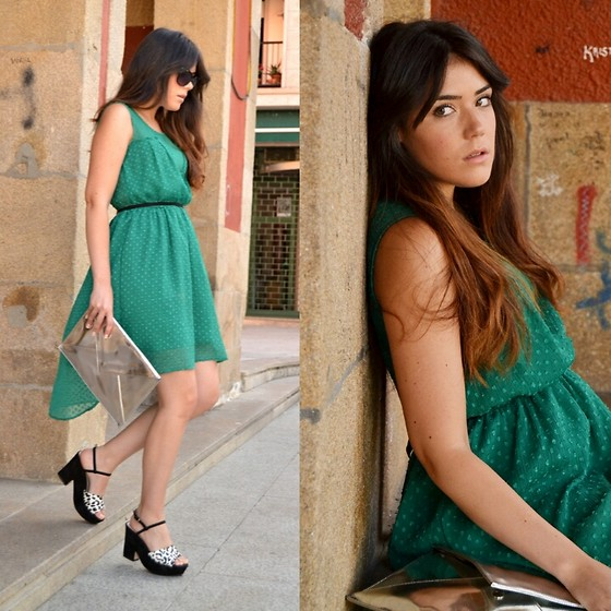 Alexandra Amaro Cortizo - Zara Dress, Zara Sandals, Zara Clucht - Total look Zara