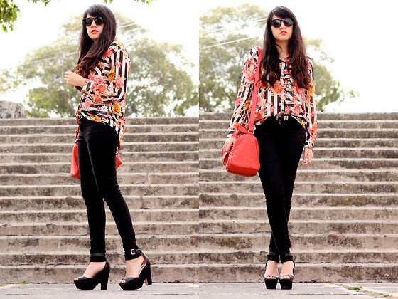 Jennifer Aranda - Zara Stripes And Flowers Shirt, Bershka Skinny Black Jeans, Zara Red Handbag, Zara Black Wedges - Redish