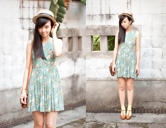 Annie Lolla - Minkpink Notebook Dress, Joe Fresh T Strap Heels - The Vintage Floral