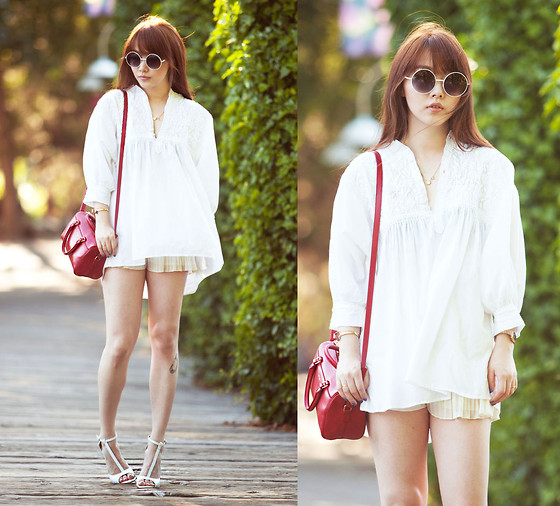 Ivy Xu - Vintage Top, H&M Shorts, Yves Saint Laurent Bag - Walk with me