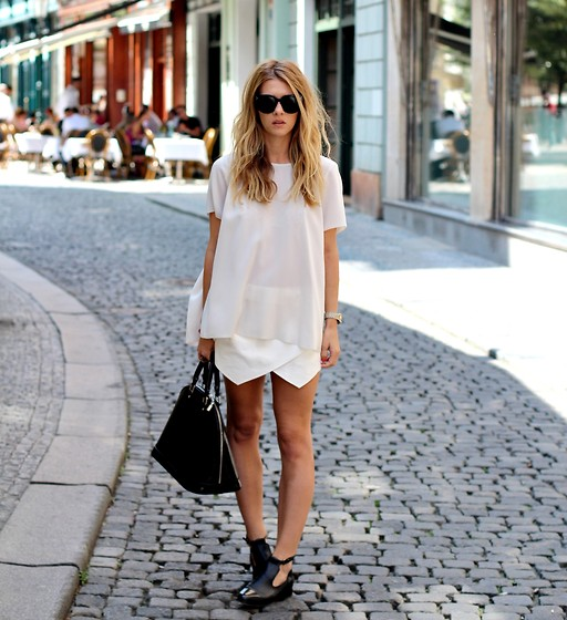 Zina CH - H&M Skirt, Zara Grey Top - More Studs | LOOKBOOK