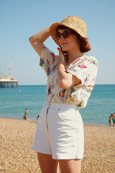 Kerry Lockwood - Vintage Cloche Hat, Vintage Jamaican Print Shirt, Vintage High Waisted Shorts - Beach Days...
