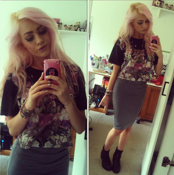 Morgan C - Topshop Crop Tee, Topshop Tube Skirt, Topshop Boots - Between two lungs