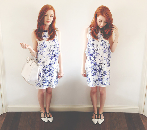 Hannah Louise - Blue & White Print Dress, Zara White Mini Shopper, Pointed Shoes - Blue & White