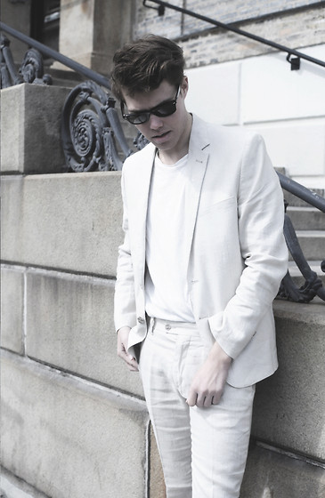 Andreas Wijk - Suit - White suit.