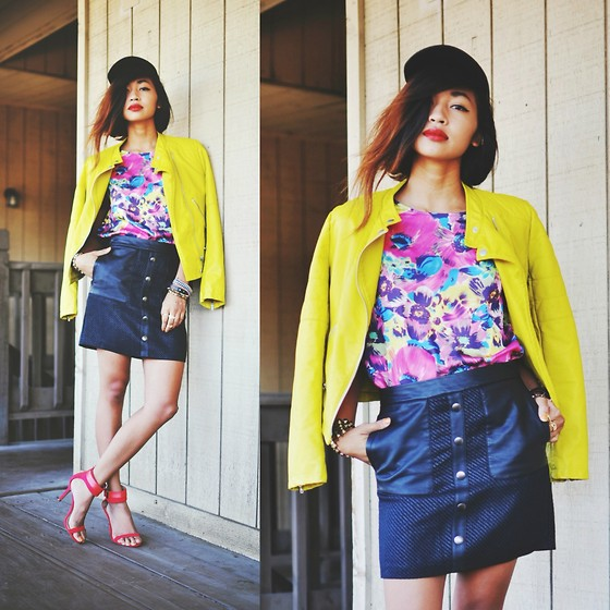 Heliely Bermudez - Furor Moda Floral Escape Blouse - Brights In Summer Weather