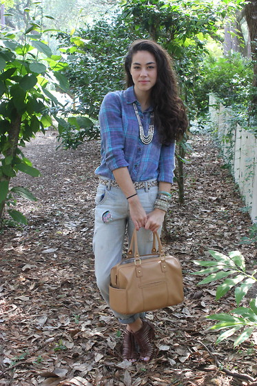 Piper Arielle - Nollie Plaid Shirt, Calvin Klein Bag - Tallahassee Cool