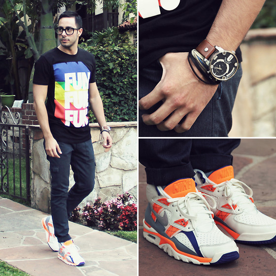Reinaldo Irizarry - Hot Topic Shirt, Levi's® Cargo Jeans, Nike Sneakers, Diesel Watch, H&M Bracelet, Tom Ford Glasses - A LOT OF FUN