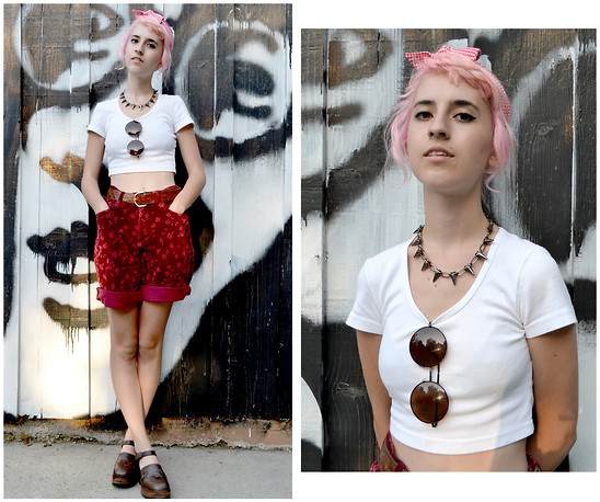 Flower Perdew - Steve Madden Wooden Platforms, American Apparel Crop Top, Something4you Turban, Sun Thrift Velvet Floral Short - Sonny