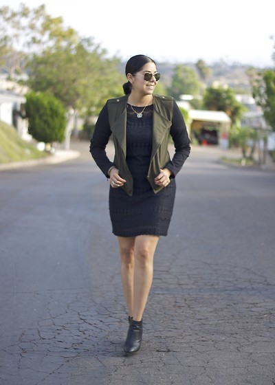 Paulina Mo - Mossimo Jacket, Wallis Dress - Here comes Fall