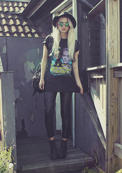 Malin Z - H&M Hat, H&M Sunnies, Vintage Tee, Topshop Backpack, H&M Leggings/Pants/Whatever, Skopunkten Boots - 7of9
