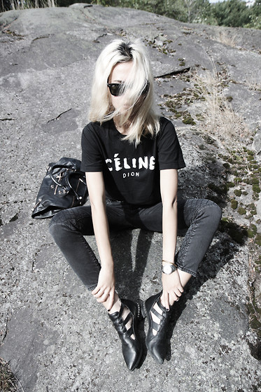 Miu N - Urban Outfitters Tshirt, Bikbok Shoes, Zara Jeans, Balenciaga Bag, Ray Ban Sunglasses - Rocking On The Rock