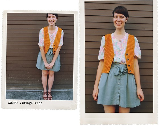 Marlen K. - Bear And Twine Floral Blouse, Dotto Vest - Adventuring in the City