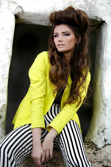 Nadya L - Christian Dior Yellow Buttercream Blazer, Strong And Silent Stripe Black White Striped Pants - Be Yourself, Come What May