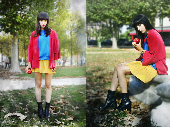 Barbara Malewicz - Zara Red Cape, Topshop Blue Neoprene Sweater, Vintage Yellow Pleated Skirt, Buffalo Black Leather Boots, N2 Large Golden Baroque Ring - Dark Snow White