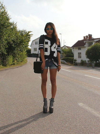 Tintin L - Bikbok Top, Unif Hellbounds, Mulberry Handbag, H&M Sunglasses - Pop of color